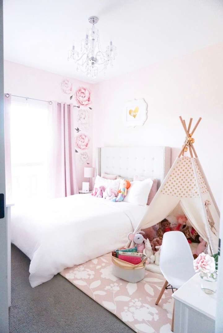 Aleia's Glam + Princess Room